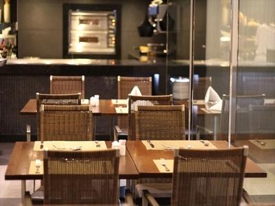 カフェ サイゴン (モーベンピック・ホテル・サイゴン内)